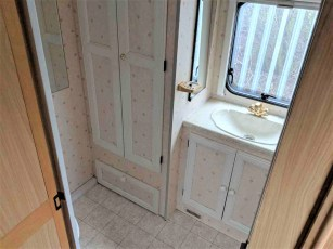 1999-bailey-pageant-moselle-for-sale-at-torksey-caravans-(8)