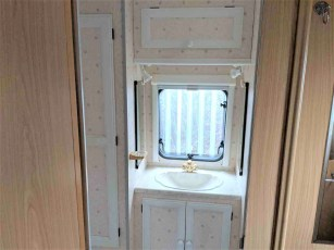 1999-bailey-pageant-moselle-for-sale-at-torksey-caravans-(9)