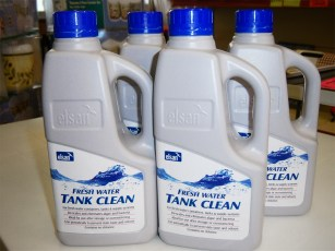 elsan-1-litre-fresh-water-tank-clean