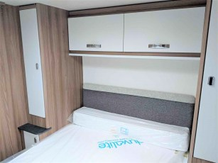 swift-aventura-m4sb-for-sale-at-torksey-sheffiled-caravan-(11)