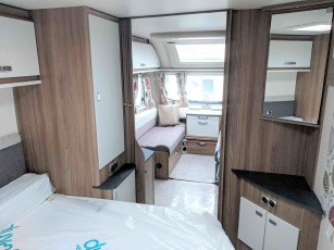 swift-aventura-m4sb-for-sale-at-torksey-sheffiled-caravan-(3)