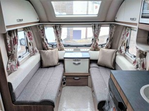 swift-aventura-m4sb-for-sale-at-torksey-sheffiled-caravan-(4)