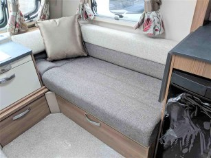 swift-aventura-m4sb-for-sale-at-torksey-sheffiled-caravan-(5)