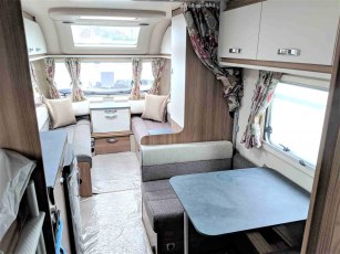 2019-swift-aventura-m6-for-sale-at-torksey-seffield-caravans-(3)