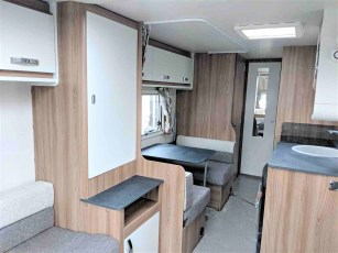 2019-swift-aventura-m6-for-sale-at-torksey-seffield-caravans-(6)