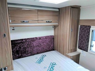 2019-swift-challenger-560-for-sale-at-torksey-sheffield-caravans-(13)8
