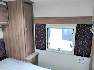 2019-swift-challenger-560-for-sale-at-torksey-sheffield-caravans-(14)1