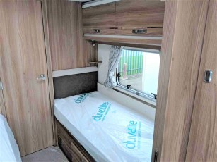 2019-swift-challenger-565-for-sale-at-torksey-sheffield-caravans-(10)
