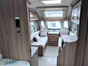 2019-swift-challenger-565-for-sale-at-torksey-sheffield-caravans-(3)