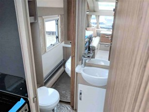 2019-swift-eccles-560-for-sale-at-torksey-seffield-caravans-(10)