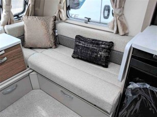 2019-swift-eccles-560-for-sale-at-torksey-seffield-caravans-(4)
