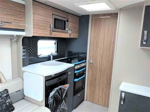 2019-swift-eccles-560-for-sale-at-torksey-seffield-caravans-(6)