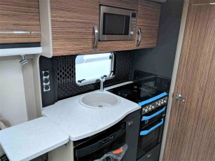 2019-swift-eccles-560-for-sale-at-torksey-seffield-caravans-(8)
