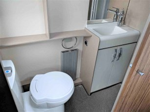 2019-swift-eccles-580-for-sale-at-torksey-caravans-(12)