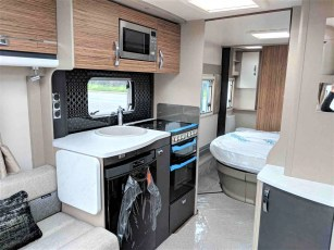 2019-swift-eccles-580-for-sale-at-torksey-caravans-(6)