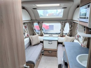 for-sale-aventura-m4eb-2019-torksey-and-sheffield-caravans-(3)