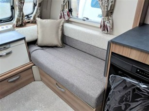 for-sale-aventura-m4eb-2019-torksey-and-sheffield-caravans-(4)