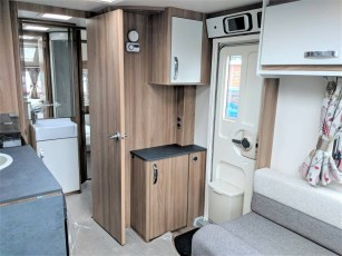 for-sale-aventura-m4eb-2019-torksey-and-sheffield-caravans-(6)