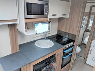 for-sale-aventura-m4eb-2019-torksey-and-sheffield-caravans-(7)