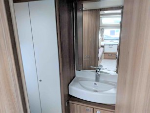 swift-aventura-a2-for-sale-at-torksey-sheffiled-caravan-(11)