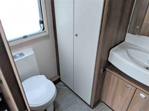 swift-aventura-a2-for-sale-at-torksey-sheffiled-caravan-(12)