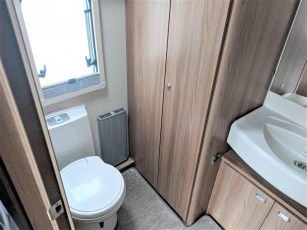 swift-challenger-480-for-sale-at-torksey-sheffiled-caravan-(13)8