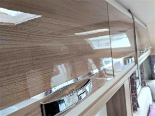 swift-challenger-480-for-sale-at-torksey-sheffiled-caravan-(8)6
