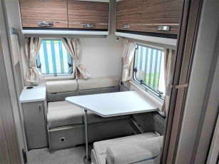 swift-eccles-590-for-sale-at-torksey-sheffiled-caravan-(11)