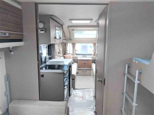 swift-eccles-590-for-sale-at-torksey-sheffiled-caravan-(3)