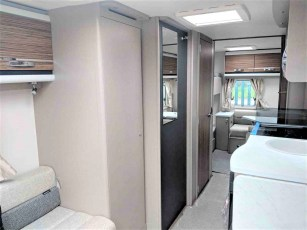 swift-eccles-590-for-sale-at-torksey-sheffiled-caravan-(7)