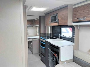 swift-eccles-590-for-sale-at-torksey-sheffiled-caravan-(8)