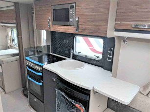 swift-eccles-590-for-sale-at-torksey-sheffiled-caravan-(9)