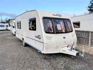 used-caravan-for-sale-2006-bailey-pageant-auvergne--torksey-caravans-(1)
