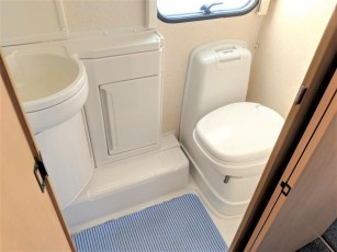 used-caravan-for-sale-2006-bailey-pageant-auvergne--torksey-caravans-(11)