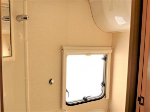 used-caravan-for-sale-2006-bailey-pageant-auvergne--torksey-caravans-(13)