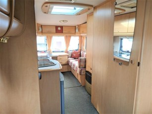 used-caravan-for-sale-2006-bailey-pageant-auvergne--torksey-caravans-(3)