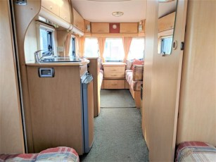 used-caravan-for-sale-2006-bailey-pageant-auvergne--torksey-caravans-(4)