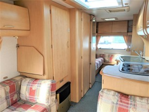 used-caravan-for-sale-2006-bailey-pageant-auvergne--torksey-caravans-(7)