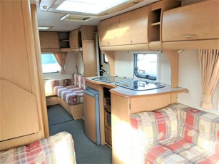 used-caravan-for-sale-2006-bailey-pageant-auvergne--torksey-caravans-(8)